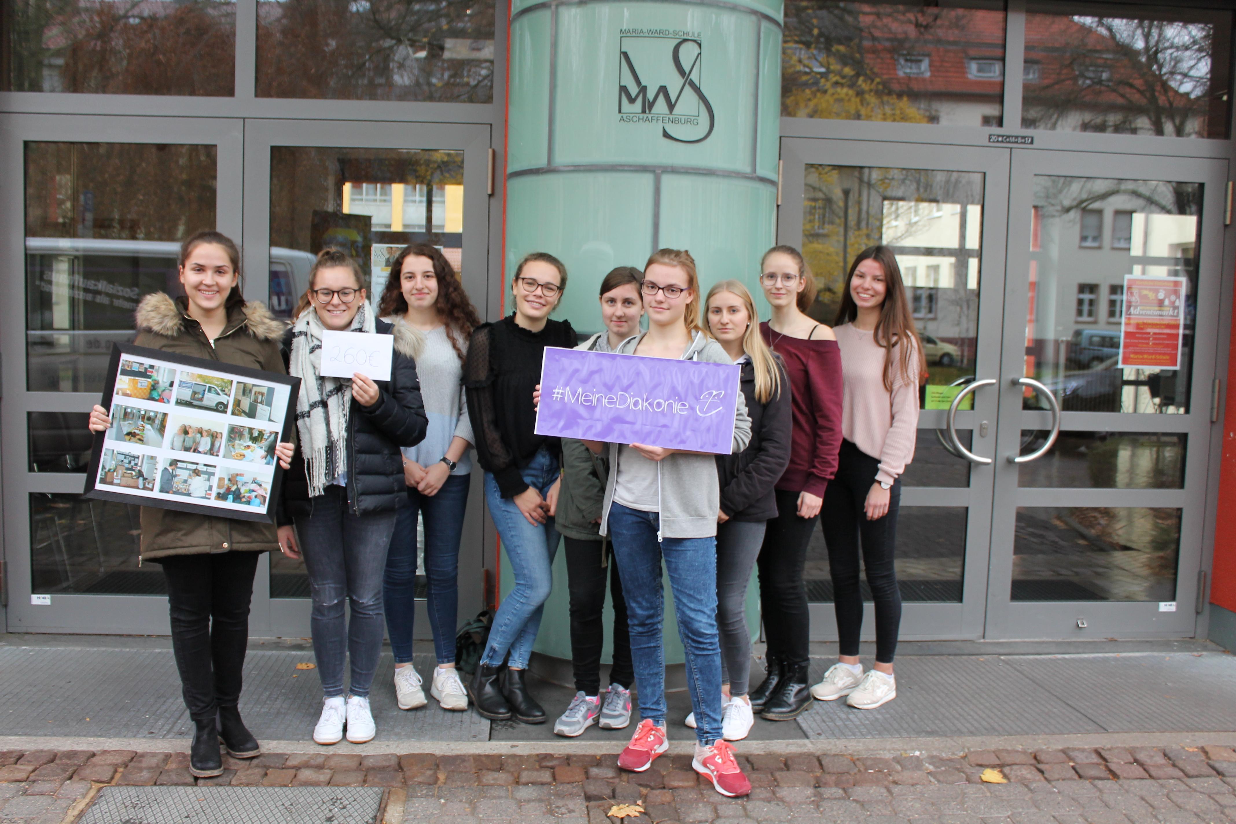 Maria-Ward-Schülerinnen unterstützen Diakonie-Sozialkaufhaus